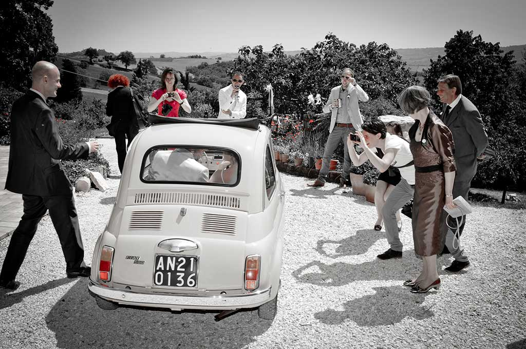 fiat500 at a wedding in le marche italy